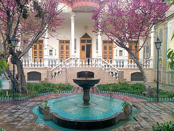 خانه تاریخی مقدم
