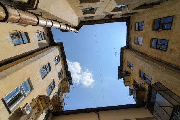 دسترسی در طبقات مختلف آپارتمان