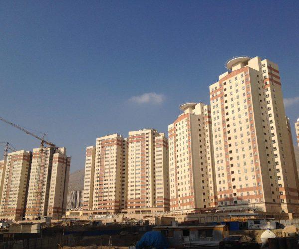 فروش آپارتمان ۱۰۱ متری در برجهای آسمان منطقه۲۲