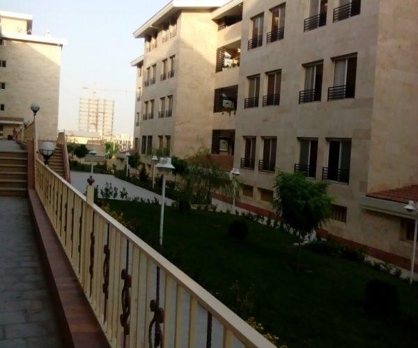 فروش آپارتمان۱۰۵متری در مجتمع کیهان شمال دریاچه چیتگر