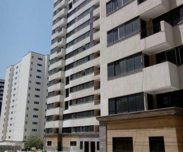 فروش آپارتمان 92 متری در مجتمع یاس 2 بلوار کوهک منطقه22