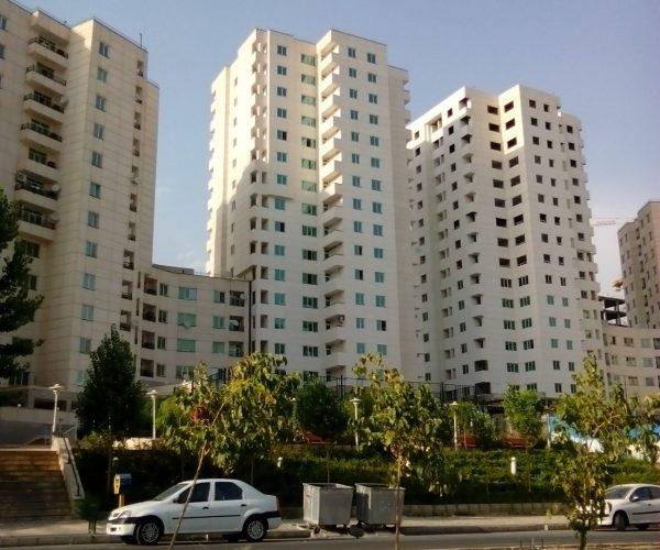 اجاره آپارتمان ۸۳ متری در برجهای سروناز منطقه۲۲