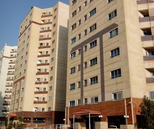 فروش آپارتمان 77 متری در برجهای قائم منطقه22