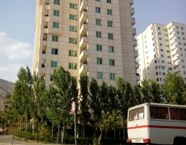 فروش آپارتمان ۸۲ متری در برجهای سروناز منطقه۲۲
