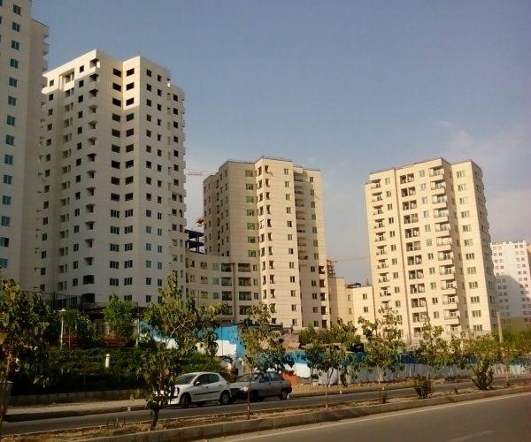 فروش آپارتمان 110 متری در برجهای امین غرب دریاچه چیتگر