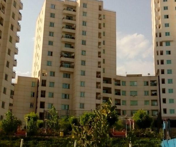 اجاره آپارتمان 82 متری در برجهای سروناز منطقه22