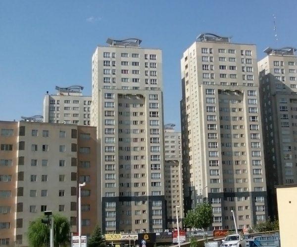 فروش آپارتمان 136 متری د برجهای پارسیا منطقه22