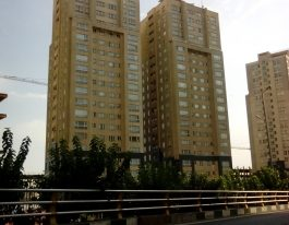 فروش آپارتمان 128 متری در برجهای پارسیا منطقه22