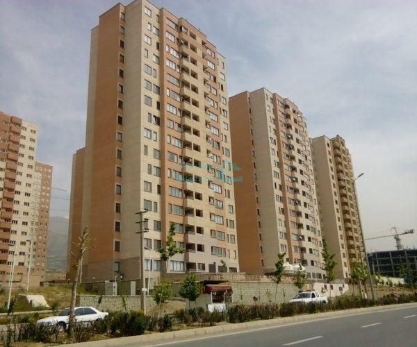 فروش آپارتمان ۱۳۰ متری در برجهای احرار منطقه۲۲