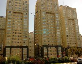 فروش آپارتمان ۱۹۱ متری در برجهای پارسیا شمال دریاچه چیتگر