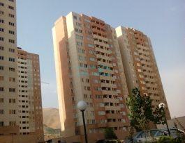 فروش آپارتمان ۱۱۸ متری در برجهای احرار شمال دریاچه چیتگر