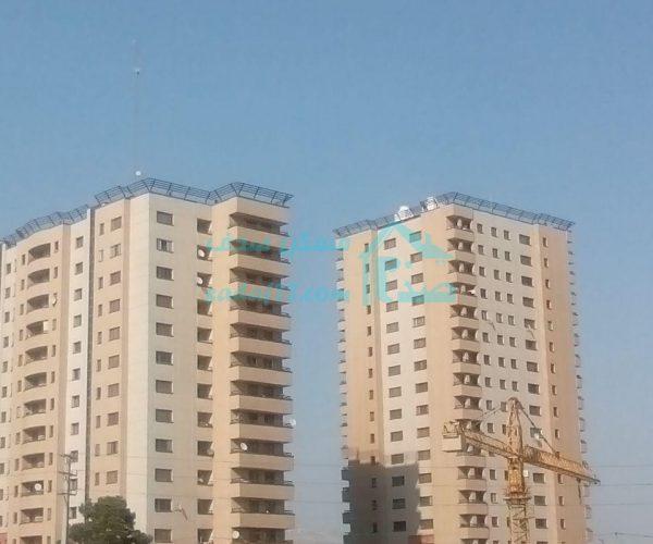 فروش آپارتمان ۱۴۴ متری در برجهای امین غرب دریاچه چیتگر