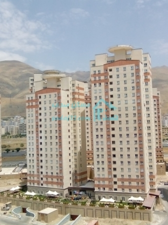 فروش اپارتمان ۱۱۰ متری در برجهای شمال دریاچه چیتگر